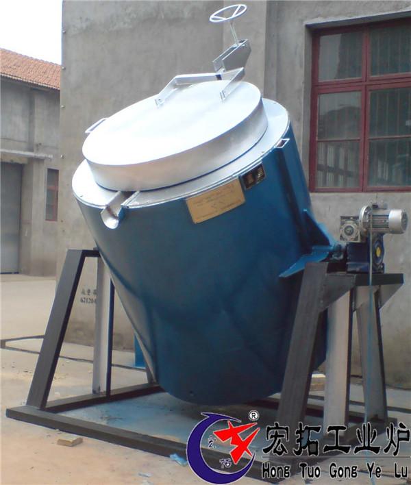 可倾翻坩锅熔铝炉
