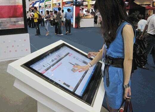 郑州商场触摸一体机的应用