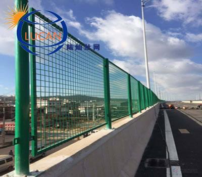 某大桥的桥梁防抛网安装