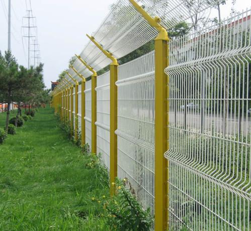 小区护栏网安装图
