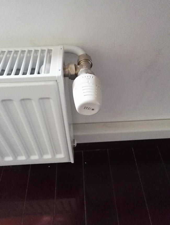 明裝暖氣片