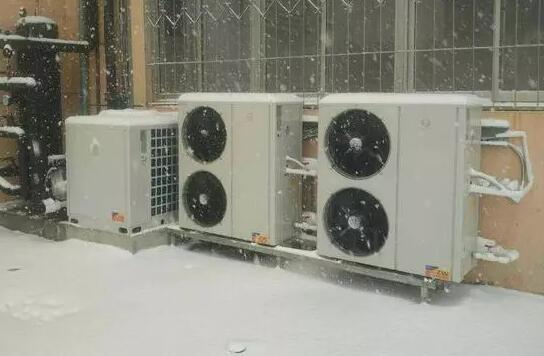 空气能热泵维护