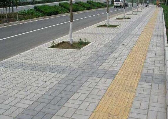 襄阳公园道路面包砖施工后效果图
