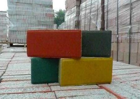 跟着襄阳振金发厂家一起来了解了解彩砖这种产品的5个特点!