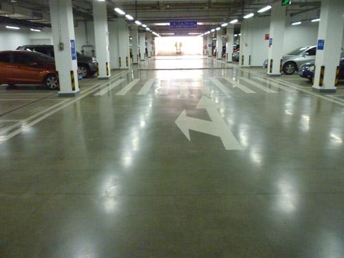 耐磨固化地坪的使用壽命可高達20年以上