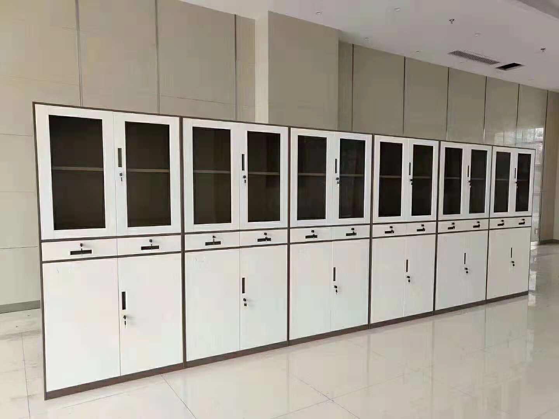 襄阳RM-084三门衣柜