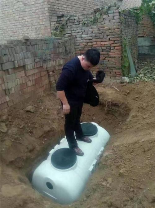 农村改厕化粪池安装实例