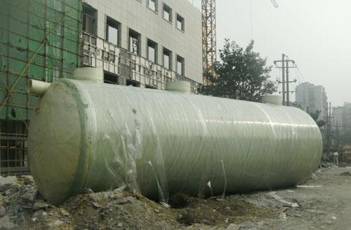 定期的清理玻璃钢化粪池可以有效的避免因堵塞等原因造成使用上的不便