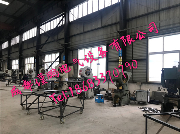 四川电缆桥架厂房冲孔区