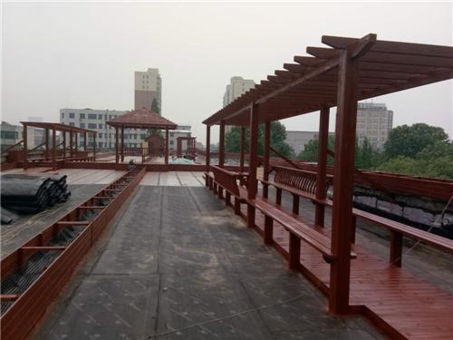 河南防腐木凉亭-信阳平桥区政府楼顶工程