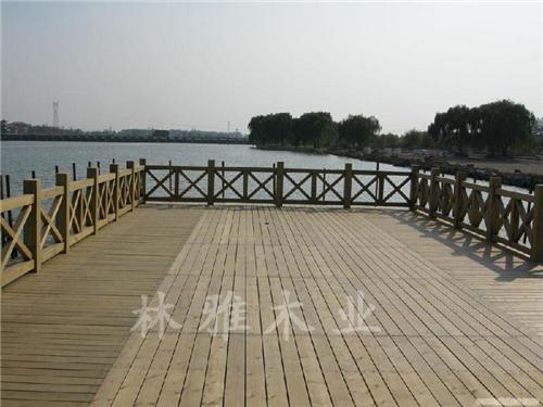 鄭州防腐木棧道
