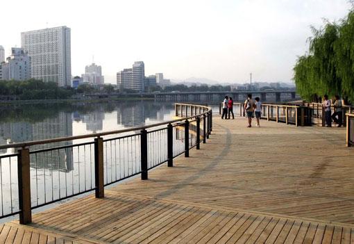 郑州防腐木厂再次延迟开工