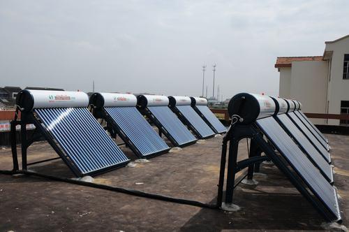 太阳能热水器这么脏怎么洗?过来人说清洗热水器太简单了!