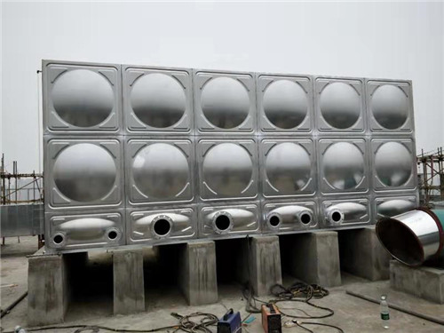 在选择四川不锈钢水箱的时候哪些因素很重要
