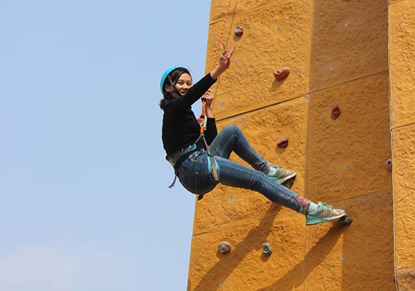 黄梅拓展训练-高空攀岩