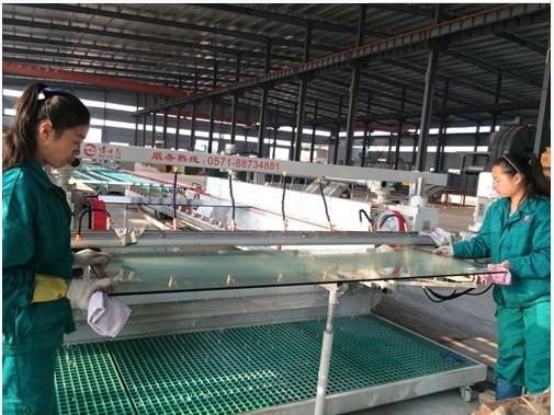 钢化玻璃厂区
