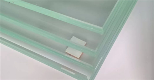 武汉亿深告诉你—夹胶玻璃夹的什么胶?