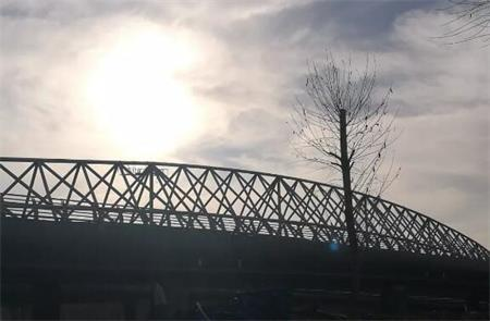 蒙鑫钢桁架