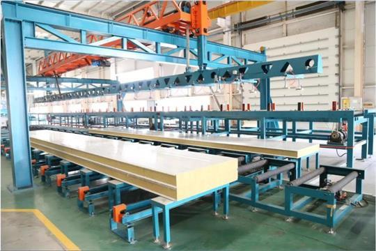 内蒙古岩棉夹芯板为物流园建设工程供货案例