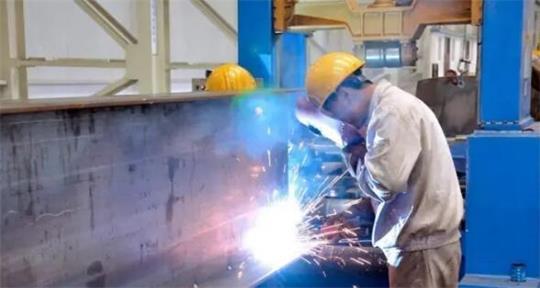 钢结构焊接不注意控制焊接变形及防治措施