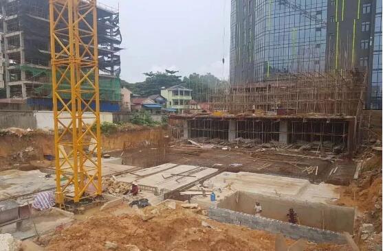 西港钢结构建筑工地