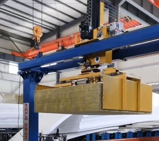 彩钢岩棉夹芯板生产工艺与特点有哪些?