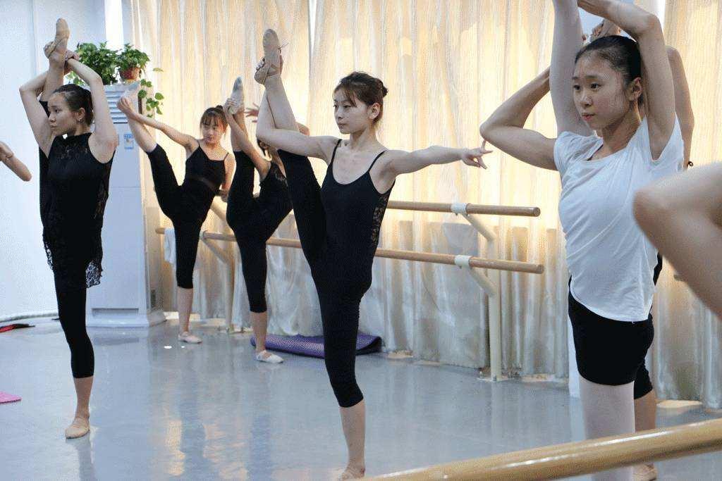 舞蹈艺术动作技巧