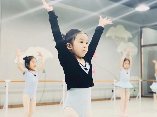 少儿舞蹈启蒙教育