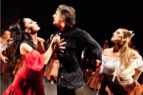 西班牙塞维利亚弗拉门戈舞蹈团演绎的《卡门》
