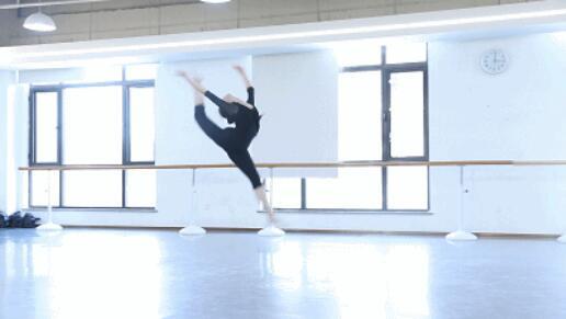 舞蹈艺考训练生