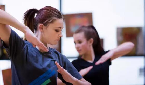 学舞蹈动作