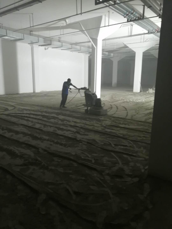 汉城湖畔地下车库