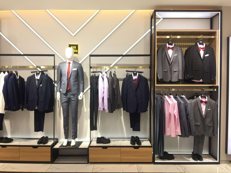 雅创工程告诉你西安服装展柜定做厂家的4个大优点
