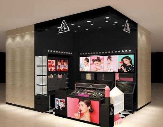 化妆品展柜夏季注意点,西安展柜厂来告诉你