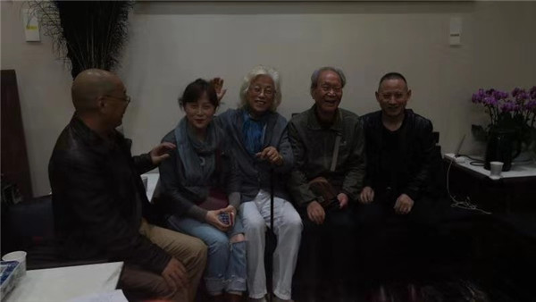 名家合影-吴三大字画收购