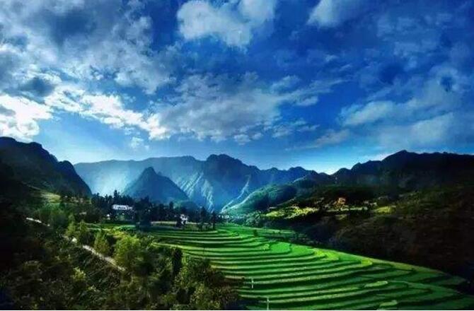 唯有建立人与自然和谐发展的生态文明,我们的家园才能更美丽