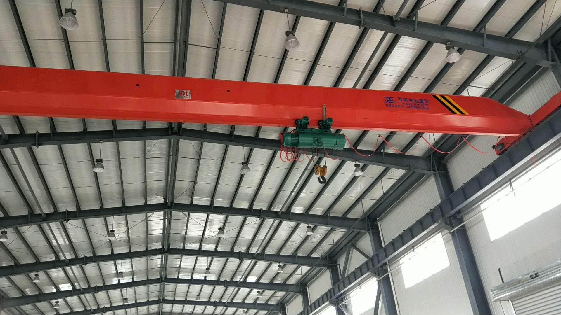 为渭南临渭孵化器场提供16台西安电动单梁起重机
