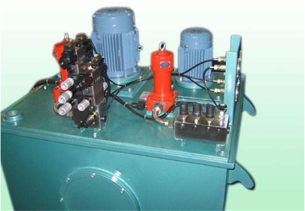 清洗吸污车液压油箱