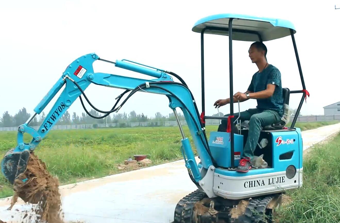 路捷小型农用挖掘机客户感言