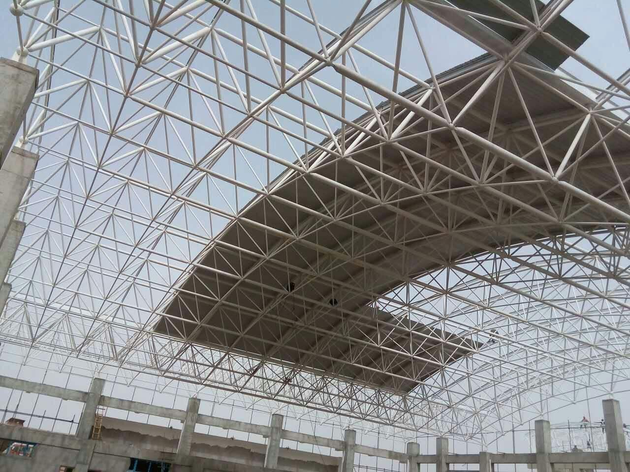 四川钢结构工程--网架搭建