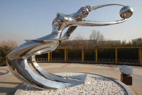 四川不锈钢雕塑的特点和用途!