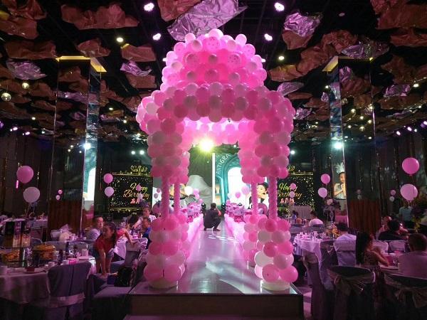 粉色系气球派对