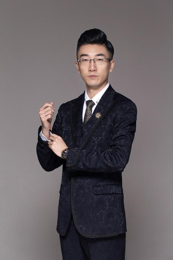 传奇中国-金十主持人-王禹