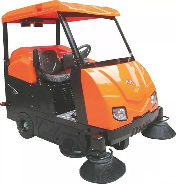 OS-V6大型驾驶式扫地车
