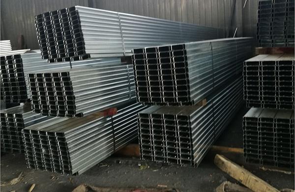 西安东林钢铁带大家来看一下C型钢的操作流程是怎么样的