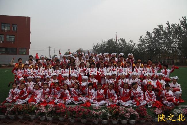 赴河南郑东新区昆丽河小学培训160名腰鼓学员