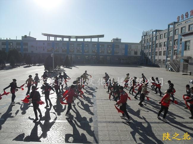 赴内蒙古准格尔旗蒙古族学校培训60名腰鼓学员