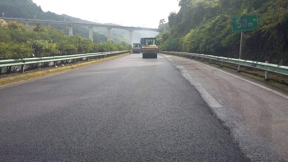 成都沥青路面早期破坏原因
