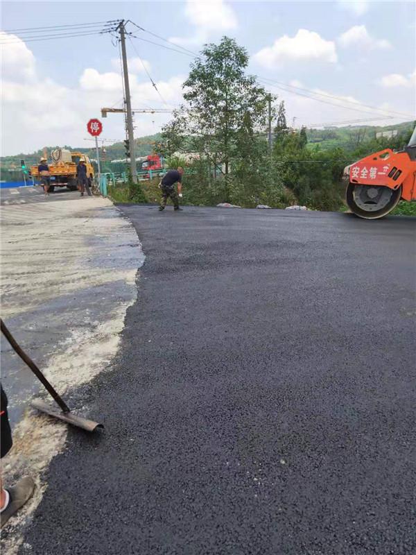锦城腾飞成都彩色沥青道路工程案例