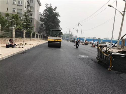 成都透水沥青路面的铺装材料有哪些?